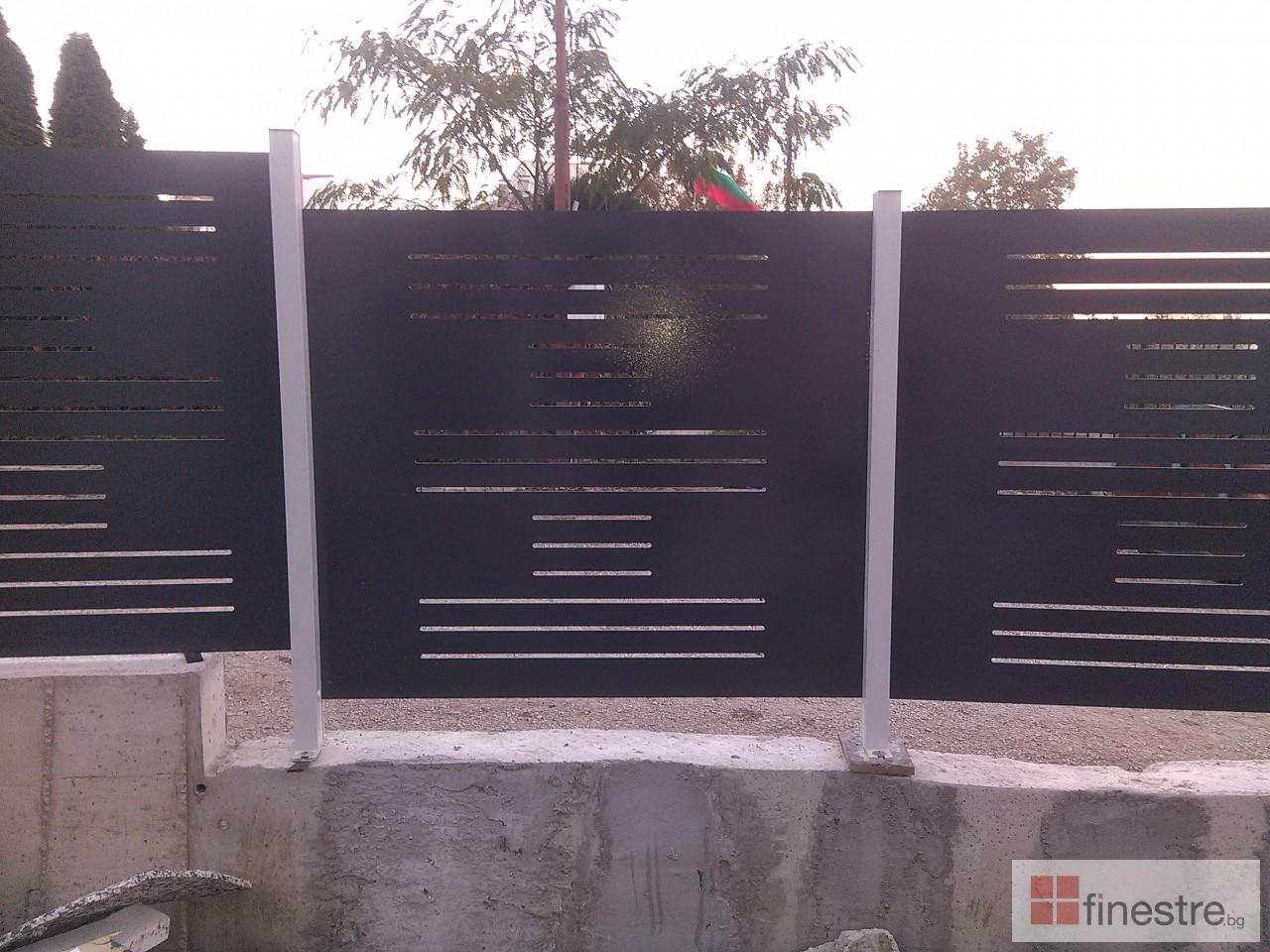 PVC дограма, еталбонд, ограда, и парапети за къща в кв. Драгалевци, гр. София 9