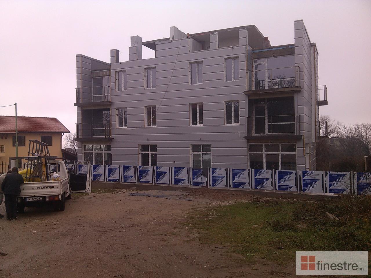 PVC дограма, еталбонд, ограда, и парапети за къща в кв. Драгалевци, гр. София 4
