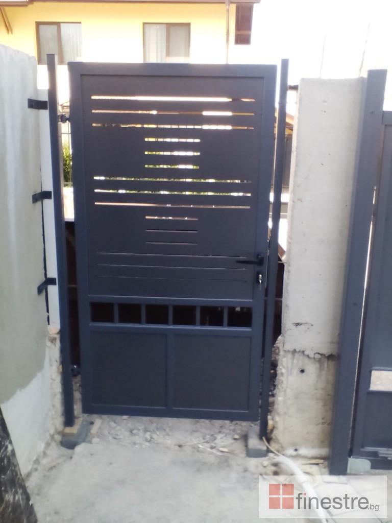 Еталбонд  ,ком.метална ограда с еталбонд, конзолна врата и алуминиев парапет 3