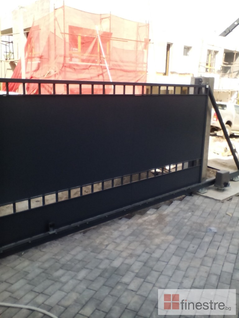 Еталбонд  ,ком.метална ограда с еталбонд, конзолна врата и алуминиев парапет 4