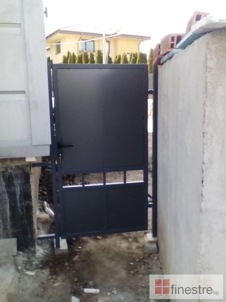 Еталбонд  ,ком.метална ограда с еталбонд, конзолна врата и алуминиев парапет 7