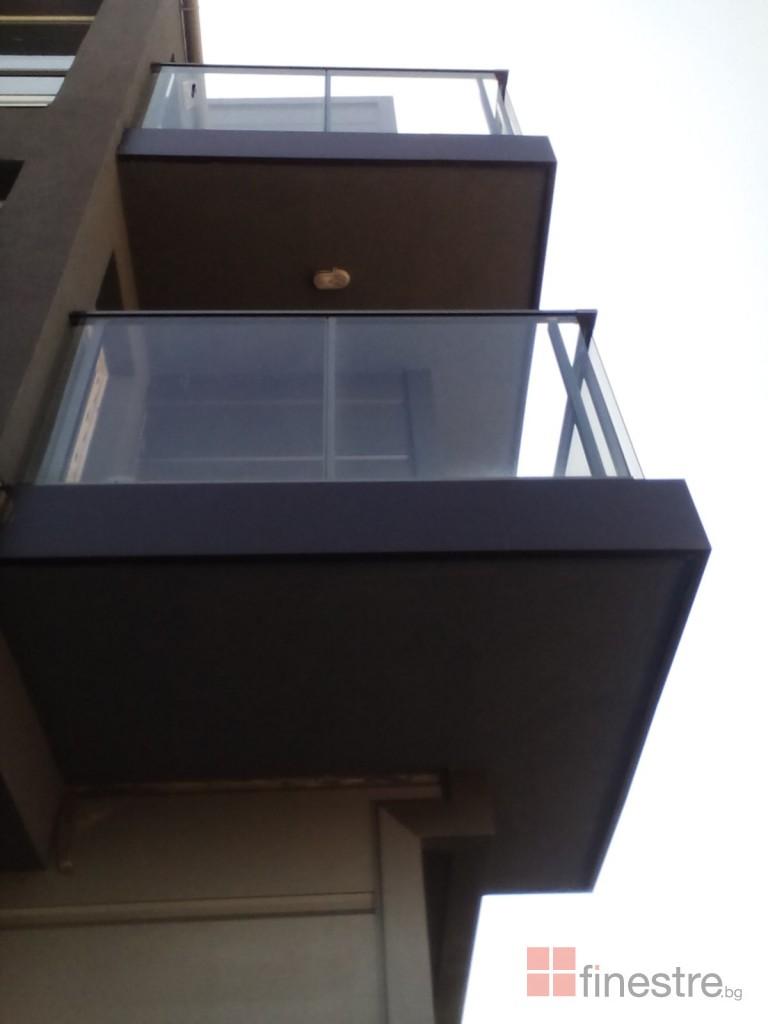 Еталбонд  ,ком.метална ограда с еталбонд, конзолна врата и алуминиев парапет 5