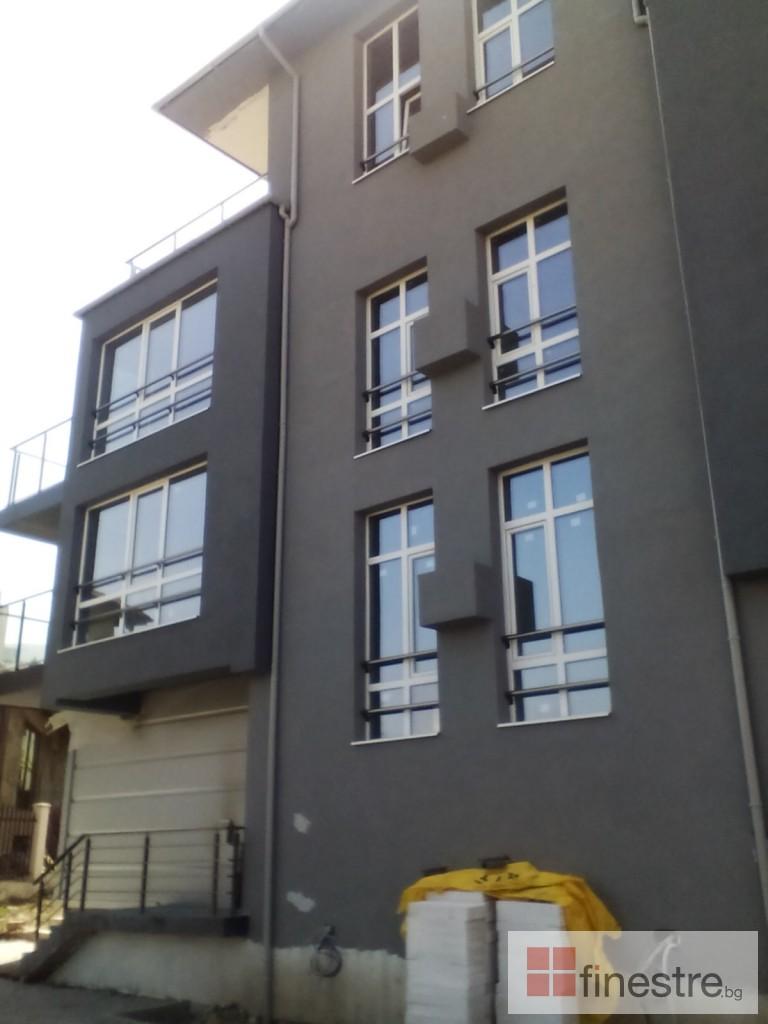Еталбонд  ,ком.метална ограда с еталбонд, конзолна врата и алуминиев парапет 0