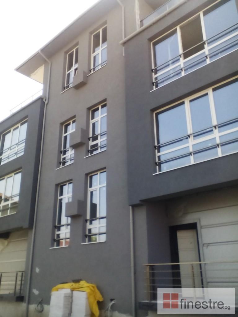 Еталбонд  ,ком.метална ограда с еталбонд, конзолна врата и алуминиев парапет 2