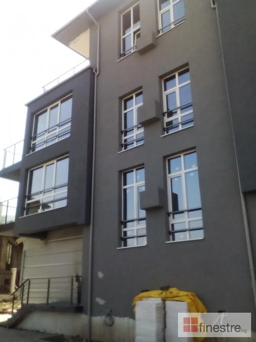 Еталбонд  ,ком.метална ограда с еталбонд, конзолна врата и алуминиев парапет